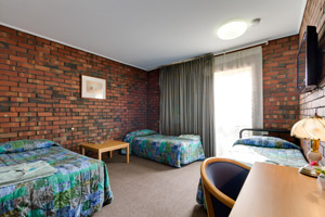 Enfield Motel - Adjoining Room