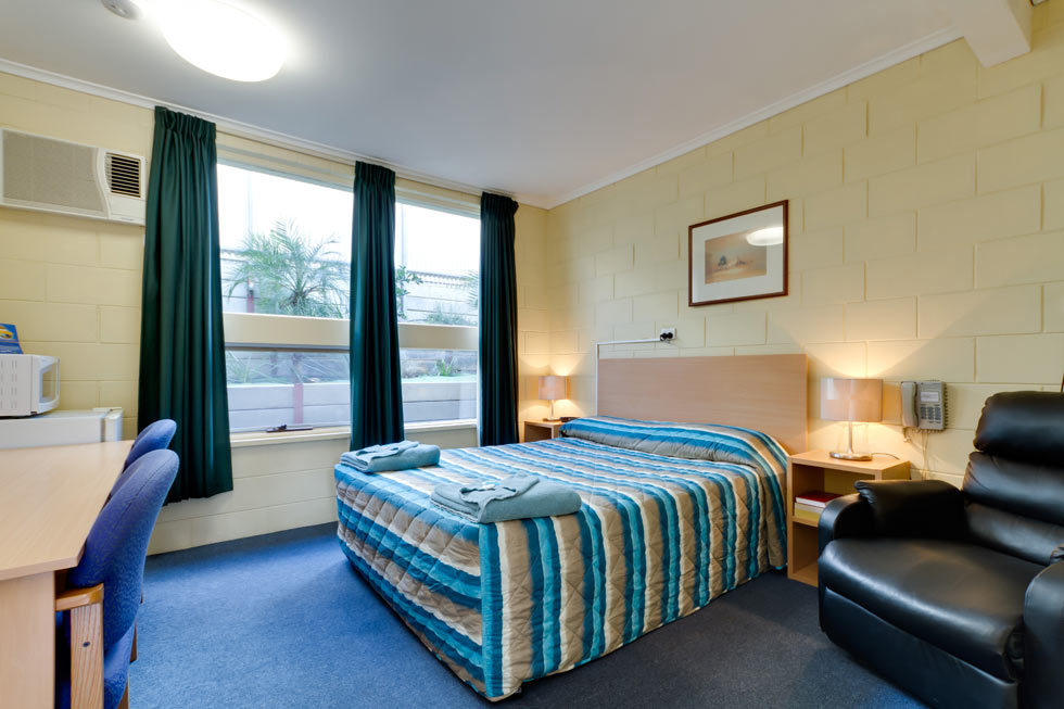 We have Doubles with Queen beds, Twin and King rooms. All rooms have a bar fridge, microwave, flat screen tv, iron, ironing board and hair dryer.